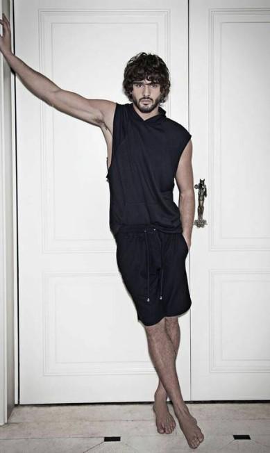 Para muitos, Marlon é a versão masculina de Gisele Bündchen. No currículo, trabalhos para as grifes Dior, Balmain, Chanel e Tommy Hilfiger Jorge Figueiredo