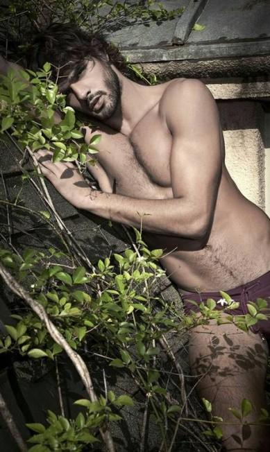 As fotos foram divulgadas depois de Marlon tirar um período sabático, pegando muita onda Jorge Figueiredo