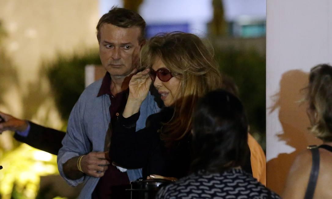 Terezinha Sodré, ex-mulher de Torres, durante o velório Marcelo Theobald