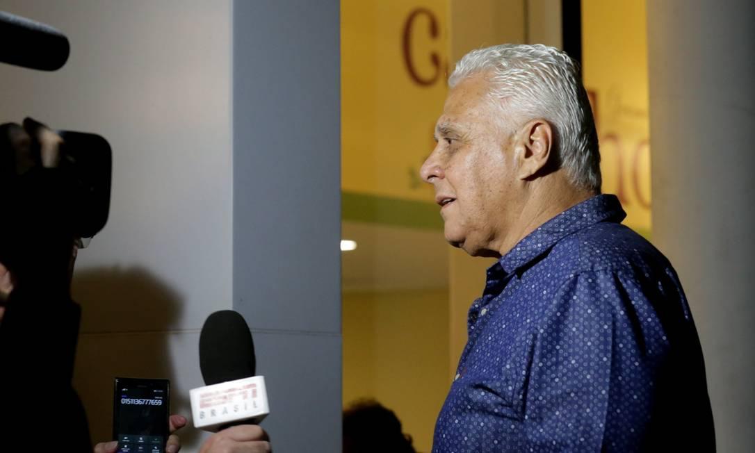Ídolo e ex-presidente do Vasco, Roberto Dinamite se despediu de Torres Agência O Globo