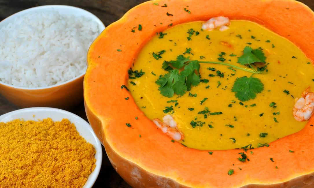 Do Horto. O bobó de camarão é servido na moranga e acompanha arroz e farofa (R$158, para duas pessoas) Carol Novaes / Divulgação
