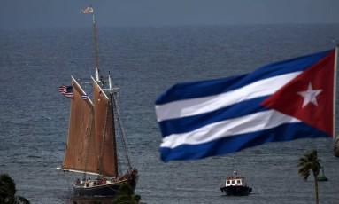Barco americano chega a Havana com 22 estudantes do ensino médio americanos que participarão de um programa em uma escola cubana Foto: Ramon Espinosa / AP