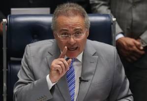 O presidente do Senado, Renan Calheiros (PMDB-AL) discursa sobre a crise envolvendo Legislativo e Judiciário Foto: Andre Coelho / Agência O Globo / 26-9-2016
