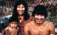 Os Uru Eu Wau Wau são conhecidos por tatuarem o contorno de seus lábios com jenipapo, uma tinta preta feita da fruta amazônica