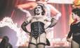 O produtor e drag Frankie Monstro vive Frankie-N-Furter na encenação Foto: Divulgação/Marcella Zamith