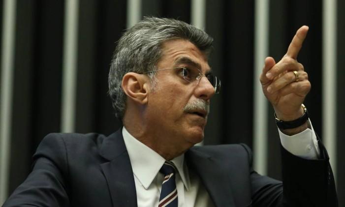 O senador Romero Jucá (PMDB-RR), presidente nacional do partido Foto: André Coelho / Agência O Globo / 24-5-2016