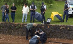 Corpo de homem de 39 anos é achado boiando dentro de mala, no Lago Paranoá, em Brasília Foto: Michel Filho / 27-10-2016