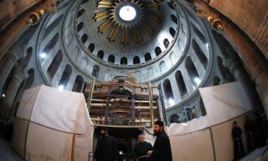 A Edícula da Tumba, na Basílica do Santo Sepulcro, está sendo restaurada Foto: THOMAS COEX / AFP