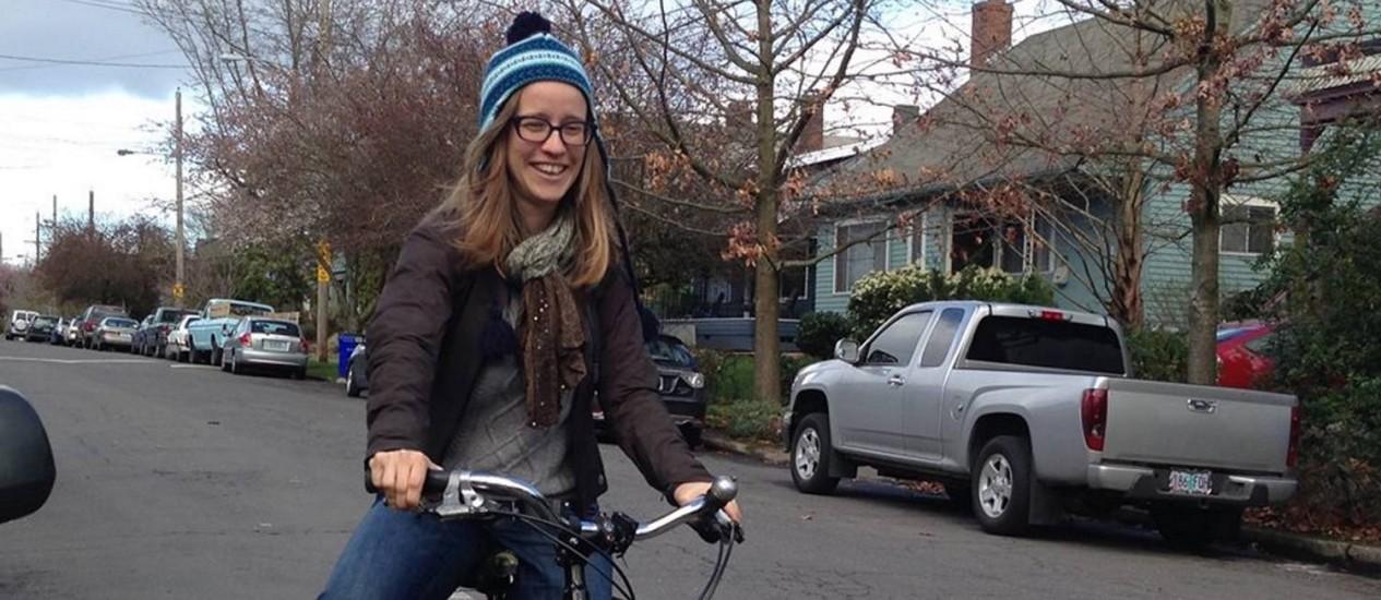 DUAS RODAS. Elly Blue passeia por Portland, no estado do Oregon Foto: Arquivo pessoal