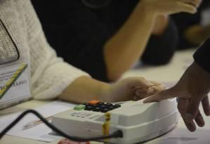 Rio de Janeiro - Manhã de votação com urnas biométricas, no Colégio Itapuca, em Niteroi. Agência Brasil) Foto: Agência O Globo