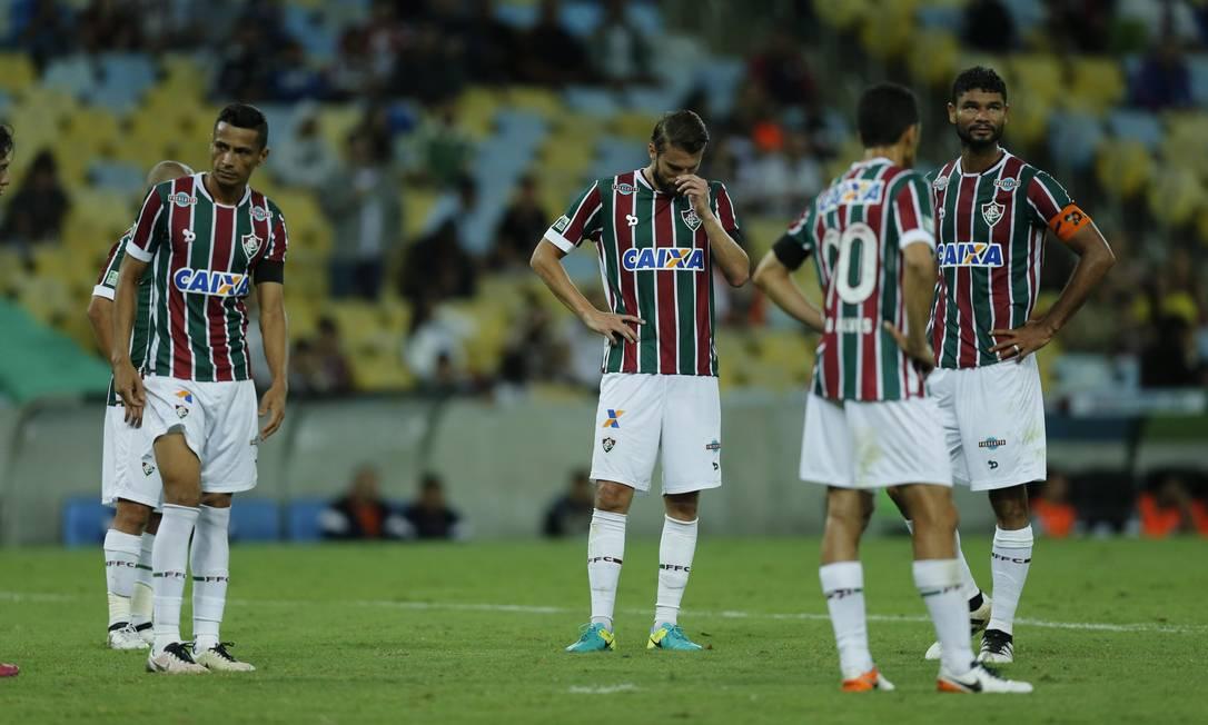 A desolação tricolor ao fim do jogo: Cícero, Henrique, Magno Alves e Gum Alexandre Cassiano / Agência O Globo