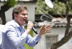 O candidato do PRB Marcelo Crivella faz carreata de Rio das Pedras até Santa Cruz Foto: Fabio Rossi / Agência O Globo