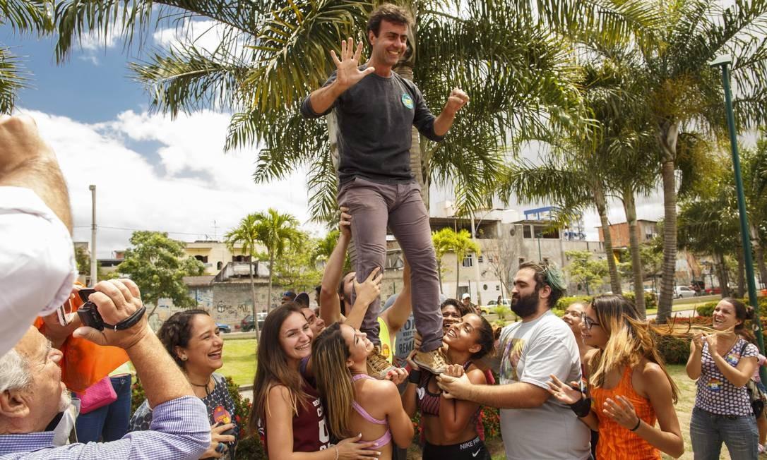 O candidato pelo PSOL, Marcelo Freixo, intensificou a agenda no sábado Foto: Daniel Marenco / Agencia O Globo / Agência O Globo