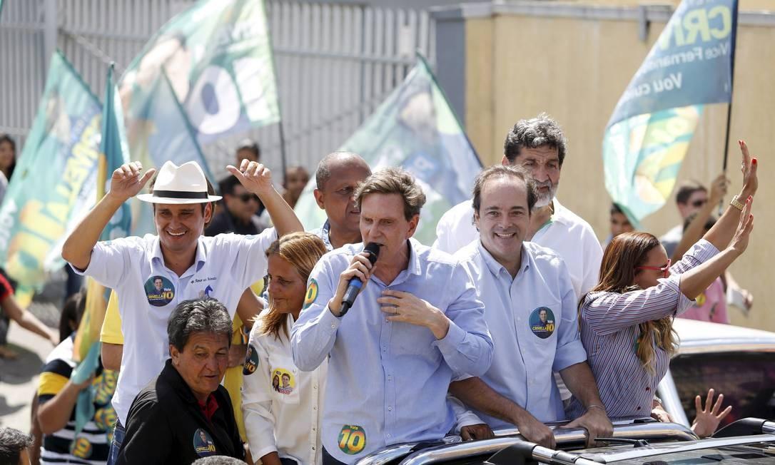 O candidato do PRB, Marcelo Crivella, faz carreata de Rio das Pedras até Santa Cruz Foto: Fabio Rossi / Agência O Globo