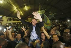 O prefeito eleito Marcelo Crivella comemora o resultado da eleição no Rio de Janeiro Foto: Pablo Jacob / Agência O Globo