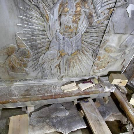 Por 60 horas, pesquisadores puderam ter acesso à tumba onde acredita-se que Jesus foi enterrado Foto: GALI TIBBON / AFP