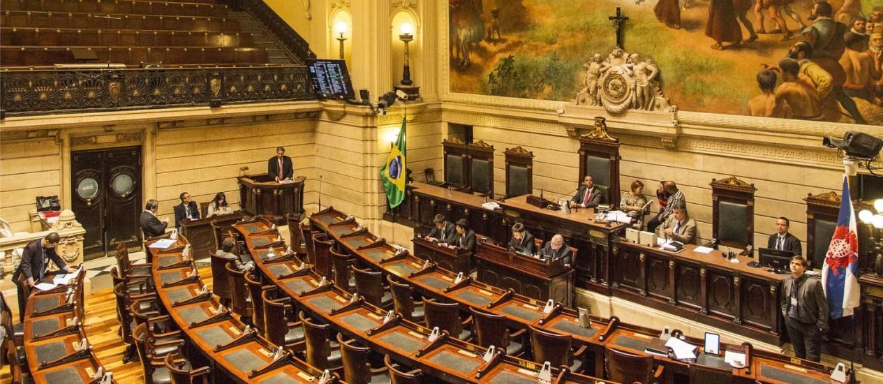 Câmara dos Vereadores: projeto de lei na contramão das tentativas de redução de gastos Foto: Ana Branco / O Globo