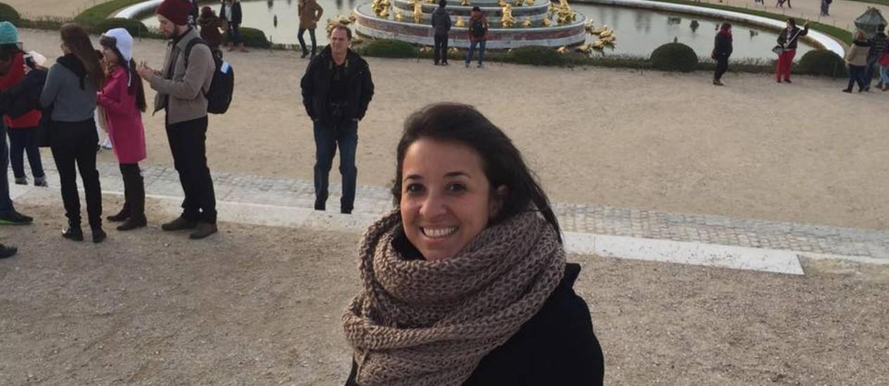 A dentista Priscila Nicolau em viagem a Paris Foto: Reprodução