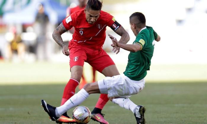 Bolívia perde 2 partidas no 'tapetão' por escalação irregular