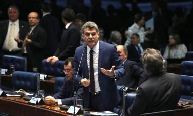 O senador Romero Jucá (PMDB-RR) Foto: Jorge William / Agência O Globo / 7-6-2016