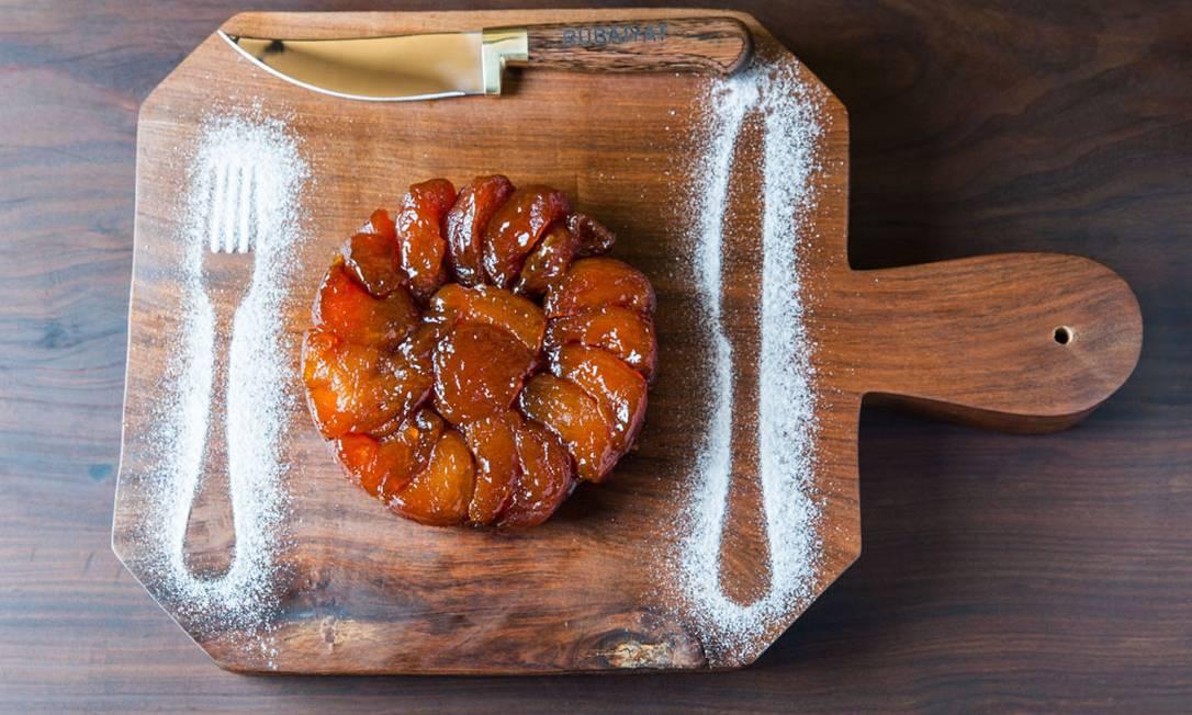 Rubaiyat Rio. Tarte tatin de maçãs com sorvete de baunilha (R$ 27) ROGERIO GOMES / Divulgação