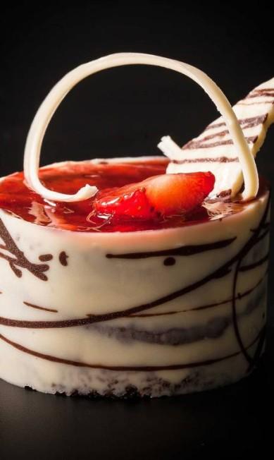Talho Capixaba. Torta Amor perfeito: pão-de-ló de chocolate com geleia e pedaços de morango (R$ 10,50) Divulgação