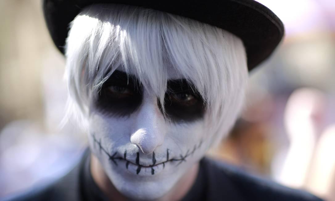 """Aconteceu em SP a 11ª edição da """"Zombie Walk"""", uma marcha pública de pessoas que se fantasiam no Dia de Finados Edilson Dantas / Agência O Globo"""