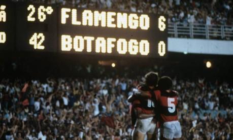Revanche. Nove anos depois, em 1981, o Flamengo venceu o Botafogo por 6 x 0, mesmo placar da partida de 1972, que os botafoguenses usavam para provocar os rubro-negros Foto: 08/11/1981 / Agência O Globo