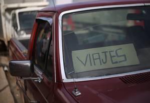 A entrada dos venezuelanos em Pacaraima é liberada. É possível chegar até a cidade sem apresentar qualquer documento Foto: Marcos Alves / Agência O Globo
