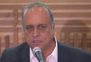 Pezão: 'Não temos como garantir folhas de pagamento se não tomarmos essas medidas' Foto: Agência O Globo