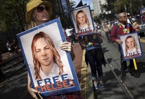 Chelsea Manning tem libertação pedida em marcha do orgulho LGBT em São Francisco, em 2015 Foto: Elijah Nouvelage / Reuters