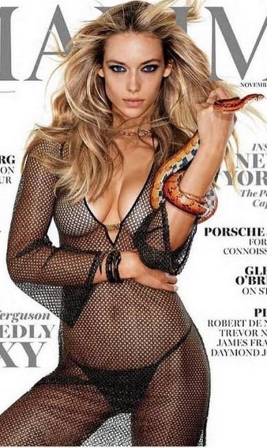 """Hannah Ferguson na capa da """"Maxim"""". A """"provocação"""" tem a ver com a capa que Kim Kardashian estrelou para a revista """"Paper"""", em 2014. Kim também tirou a roupa e mobilizou a internet Reprodução/ Instagram"""