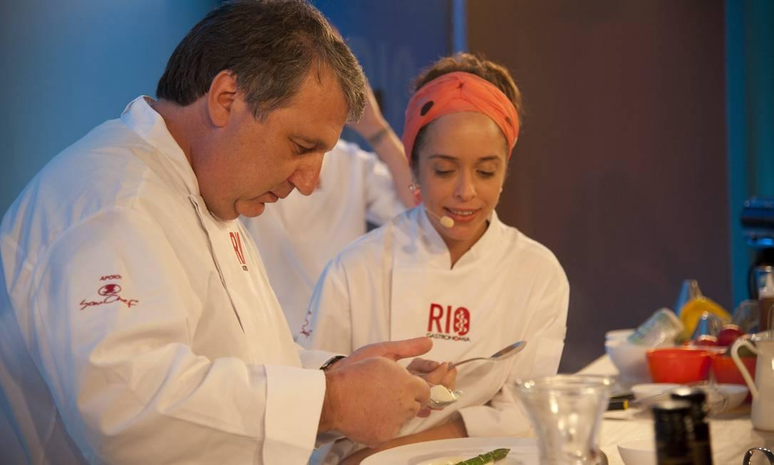 Enquanto explicava o passo a passo das receitas, os chefs contaram curiosidades do restaurante que marcou época Agência O Globo