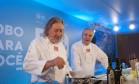 Os chefs italianos Danio Braga, restaurante Locanda, e Luciano Boseggia, do Alloro Foto: Adriana Lorete / O Globo