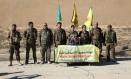 Comandantes da Forças Democráticas de Siria (SDF) anunciam, em coletiva à imprensa concedida em Ain Issa, uma ofensiva para retomada da cidade de Raqqa Foto: RODI SAID / REUTERS