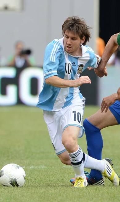 Amistoso em 9 de junho de 2012, em Nova Jersey, o Brasil perdeu de 4 a 3 da Argentina. O dia foi de Messi, autor de três dos quatros gols argentinos no MetLife Stadium. Neymar deu duas assistências, mas não marcou EMMANUEL DUNAND / AFP