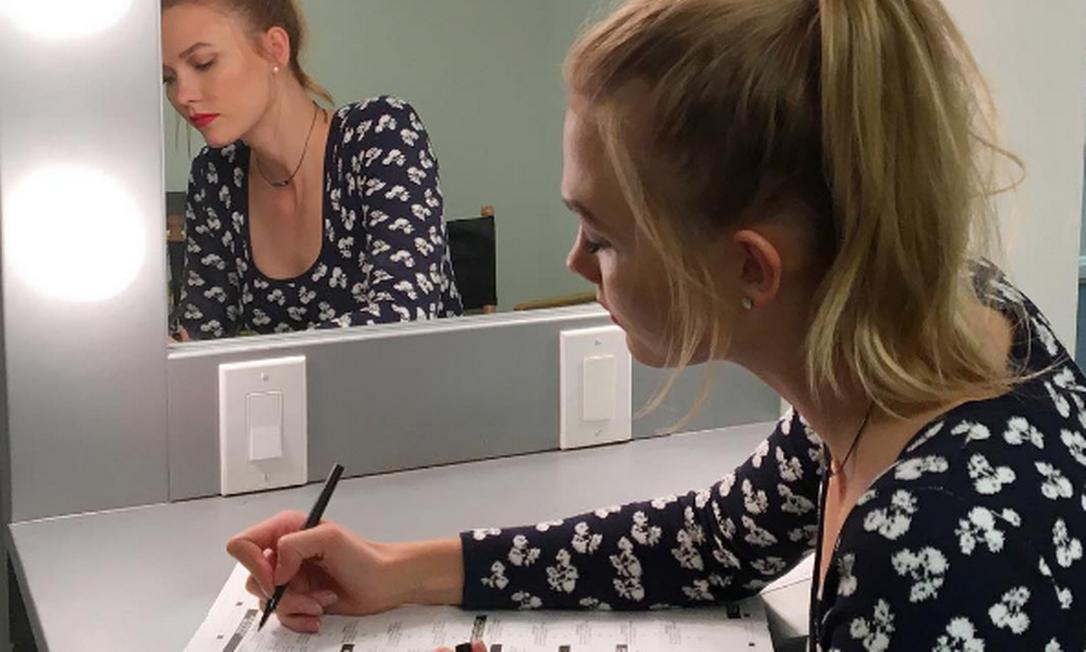 """""""Um dos maiores privilégios como americanos é a voz. Estou orgulhosa de dizer que fiz minha parte"""", escreveu a modelo Karlie Kloss Instagram"""