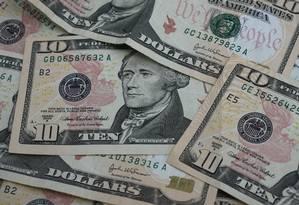 Moeda americana. Notas de 10 dólares Foto: STEPHEN HILGER / BLOOMBERG