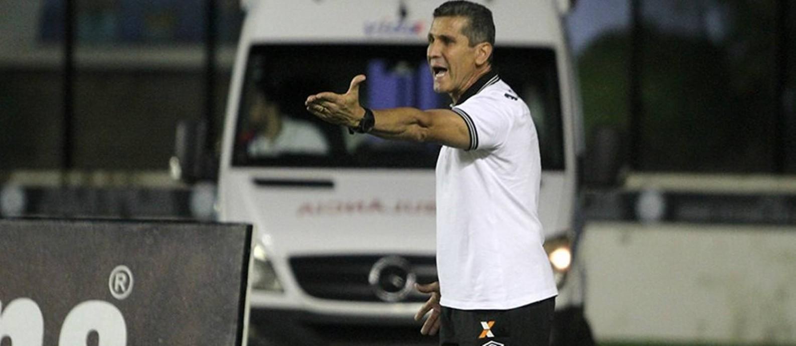 Jorginho reconheceu que o momento é difícil, mas afirmou que o Vasco precisa acreditar que vai subir Foto: Paulo Fernandes/Vasco.com.br