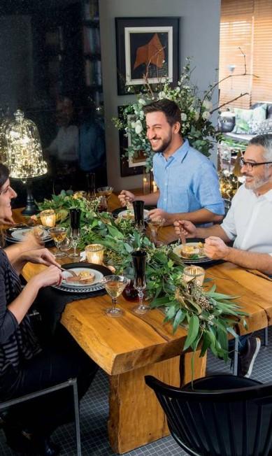 Mesa posta, a família e amigos reunidos para celebrar é o mais importante do Natal Cacá Bratke / Editora Globo