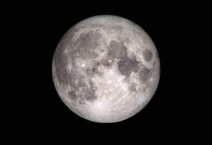 O satélite natural aparece maior e mais brilhante geralmente três vezes por ano Foto: Divulgação/Nasa