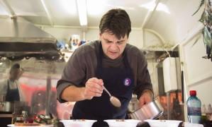 O chef Pascal Jolly faz participação especial no Rio Gastronomia, no truck Rio Je T'Aime Foto: Mônica Imbuzeiro / Agência O Globo