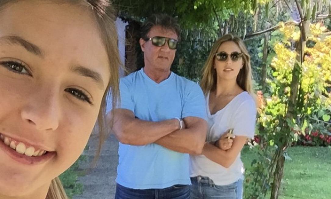 Scarlett, a caçula de 14 anos, é presença frequente no Instagram do pai Instagram