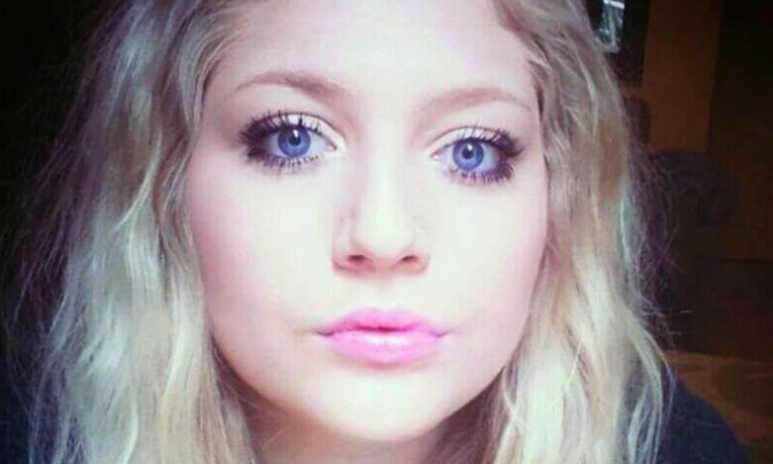 A britânica Alanah começou a ter sintomas do transtorno aos 14 anos Foto   Reprodução c58448de15