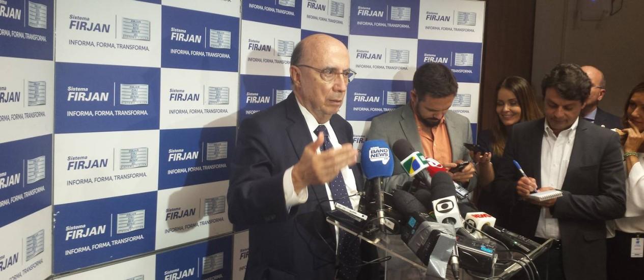 Ministro diz que efeitos da intervenção do estado seriam muito piores do que as possíveis soluções Foto: Agência O Globo