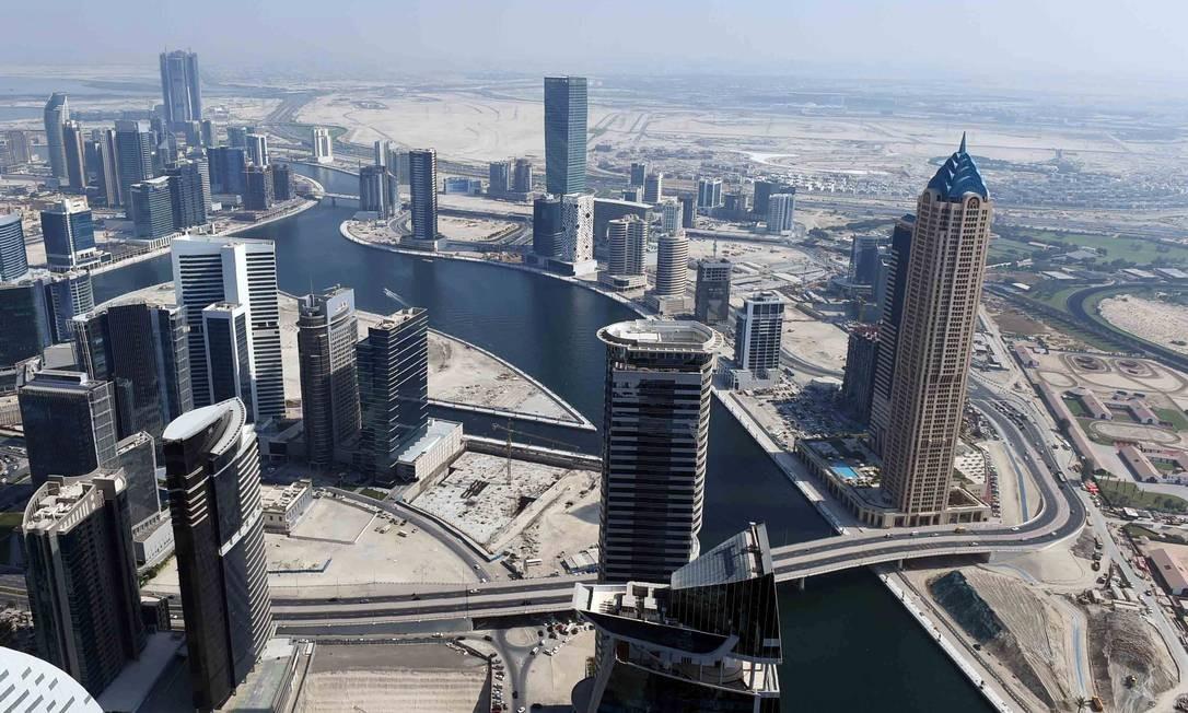 Recém-inaugurdo, o Dubai Water Canal liga o centro do emirado ao Golfo Périsco Foto: Sheikh Mphammed Bin Rashid Al-Maktoum / Divulgação/AFP