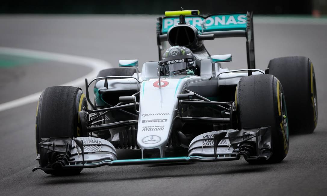 Nico Rosberg pode ser campeão neste domingo se vencer a prova em Interlagos Marcos Alves / O Globo