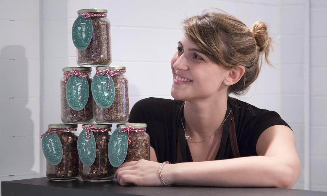 A granola do Naturalie Bistrô pode ser levada para casa em eco bags do restaurante Leo Martins / Agência O Globo