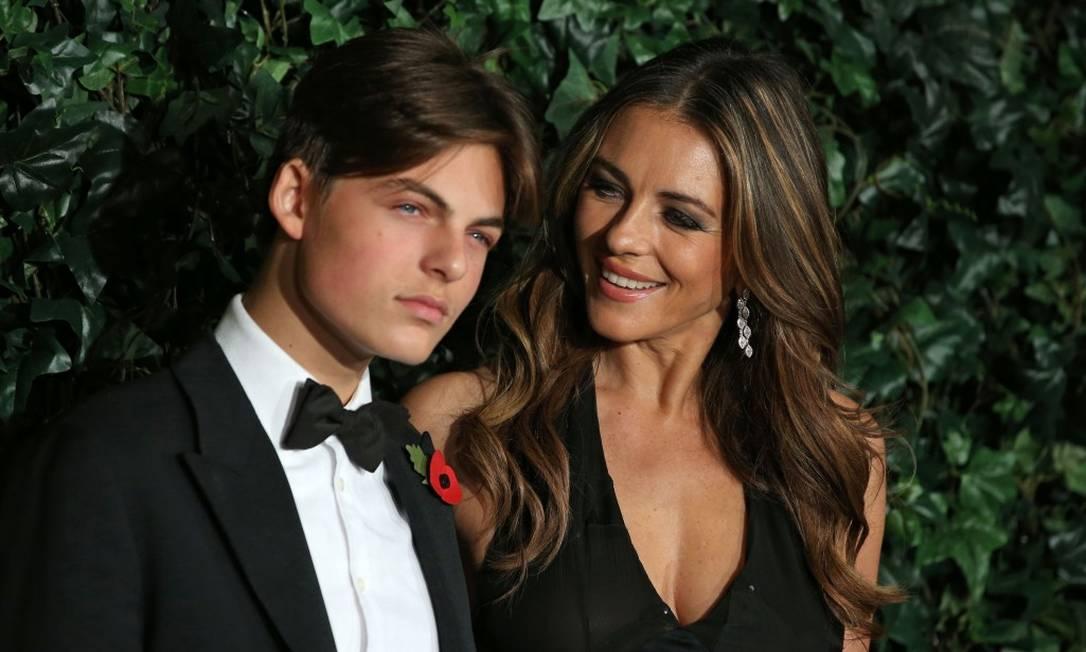 Damian é fruto do relacionamento de Elizabeth, no início dos anos 2000, com o empresário Steve Bing DANIEL LEAL-OLIVAS / AFP