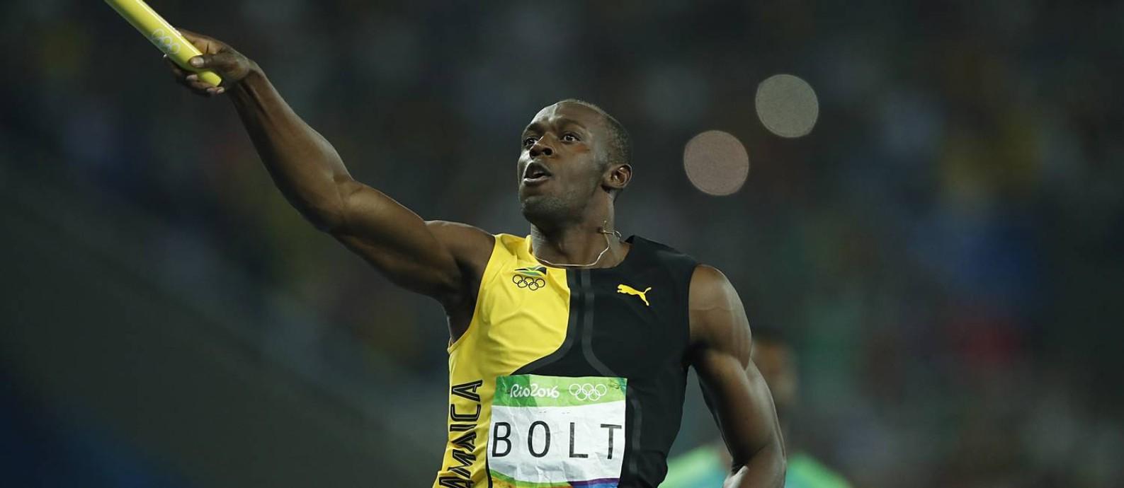 Usain Bolt na conquista do tricampeonato olímpico no Rio de Janeiro. Ele  quer ser jogador 312047939ab02